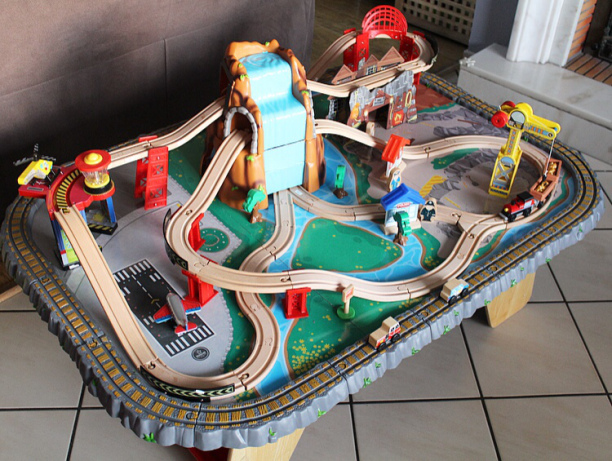 Table de train Kidkraft ╳ Waterfall Junction